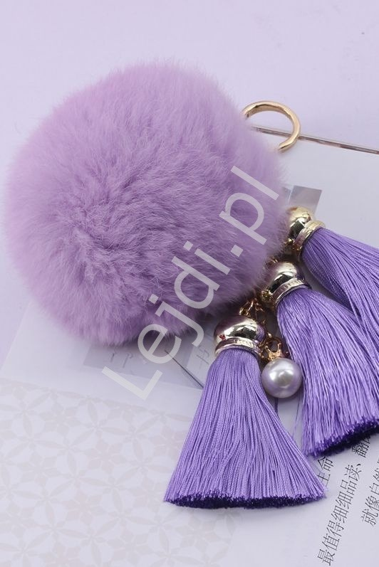 Fioletowy pompon do torebki, plecaka czy kluczy | zawieszka fioletowa z trzema frędzelkami i perełką