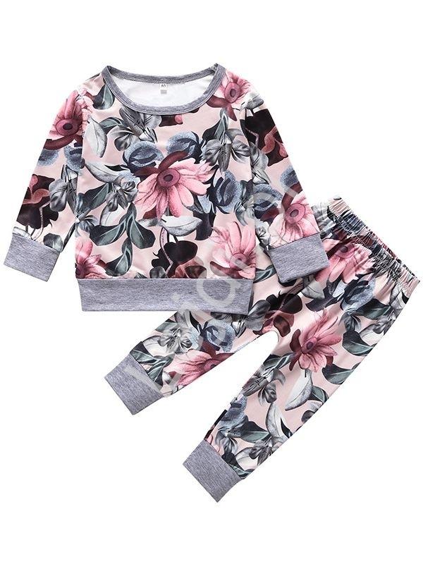 Jasno różowy dres dla dziewczynki w kwiaty 007