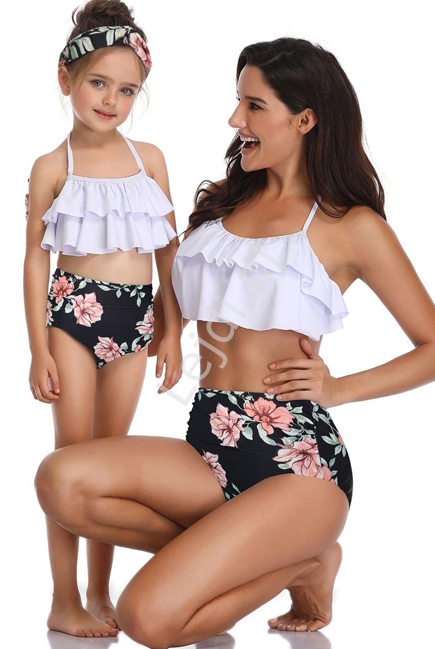 Image of Bikini dla mamy i córki z falbanami biało czarne w kwiaty