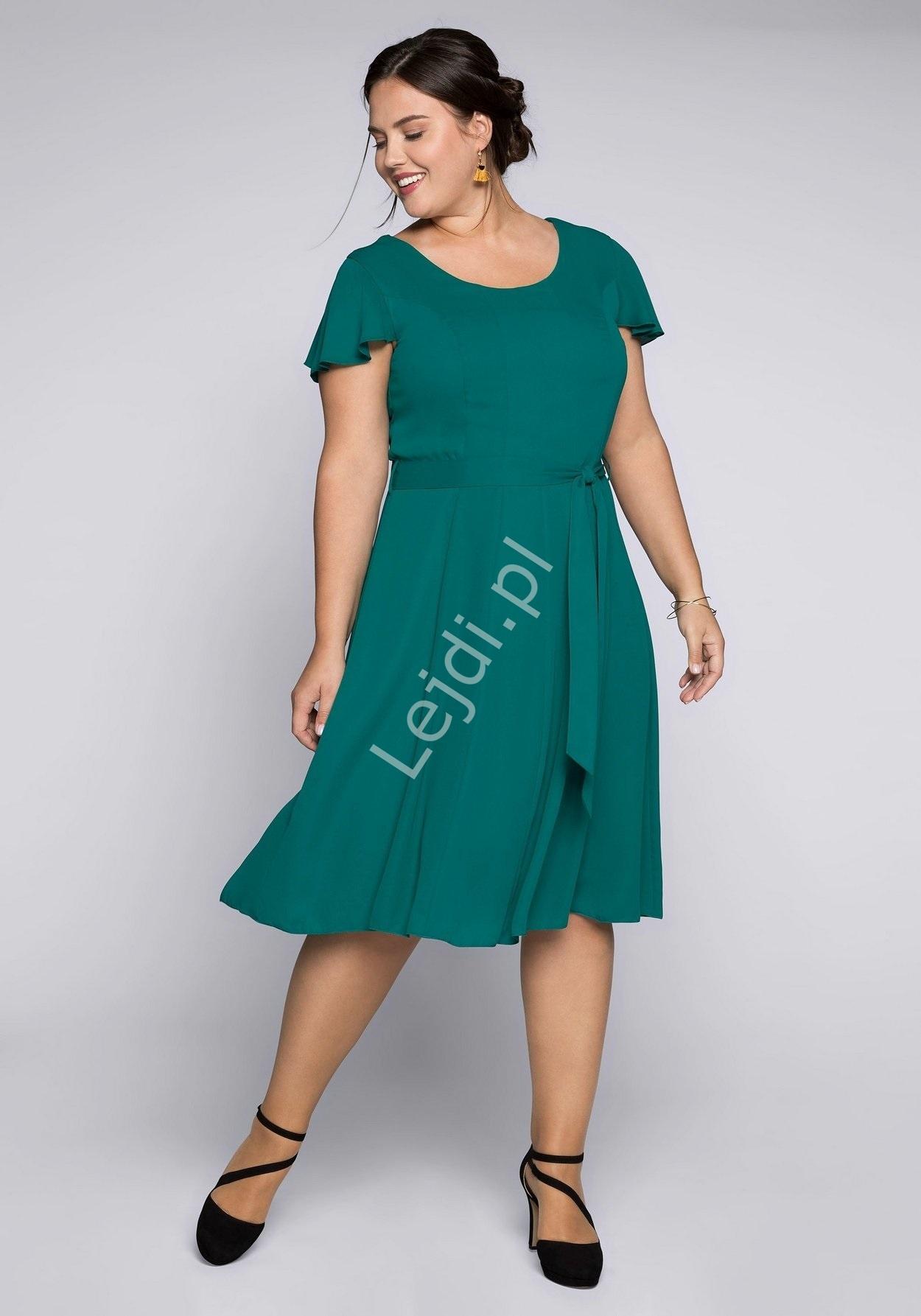 Szmaragdowa prosta sukienka na wesele sheego plus size