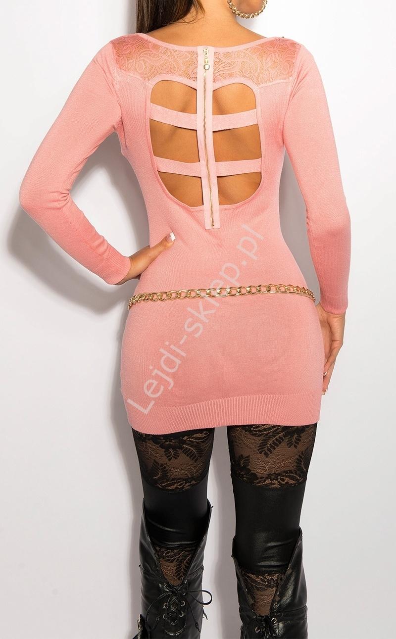 Jasno różowa sukienka z koronką na plecach i imitacją kołnierzyka, 8031