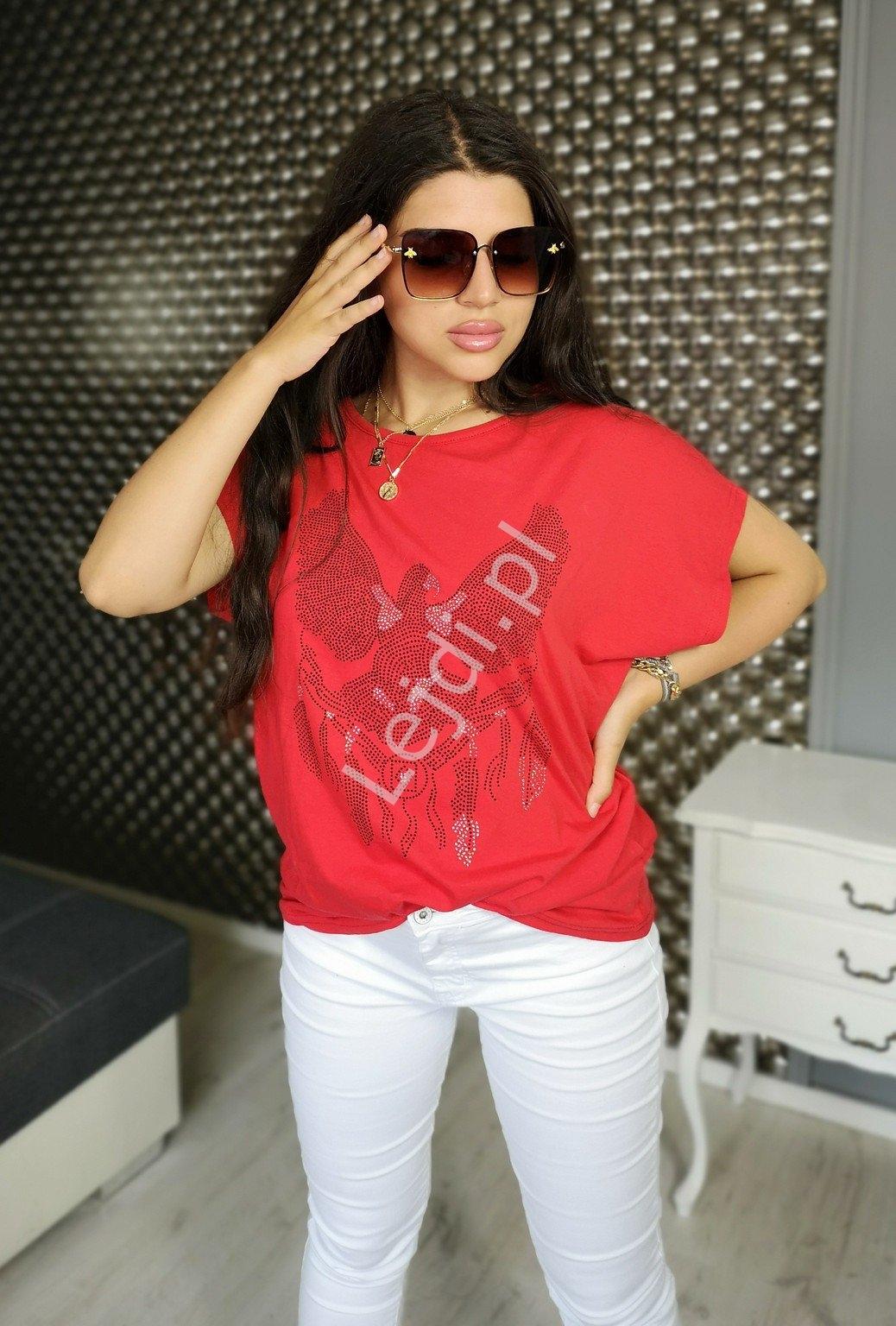 Image of Bawełniana koszulka plus size, w czerwonym kolorze z orłem brokatowym