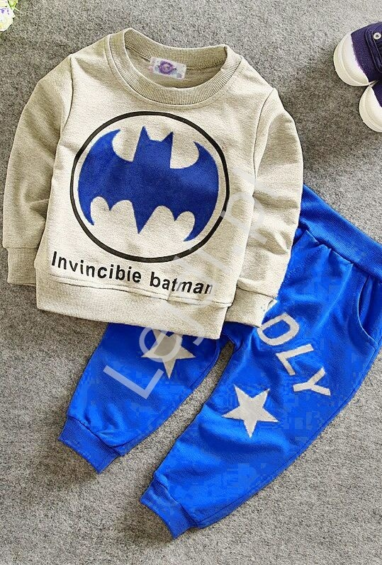 Szaro niebieski dres dla chłopca z logo batmana