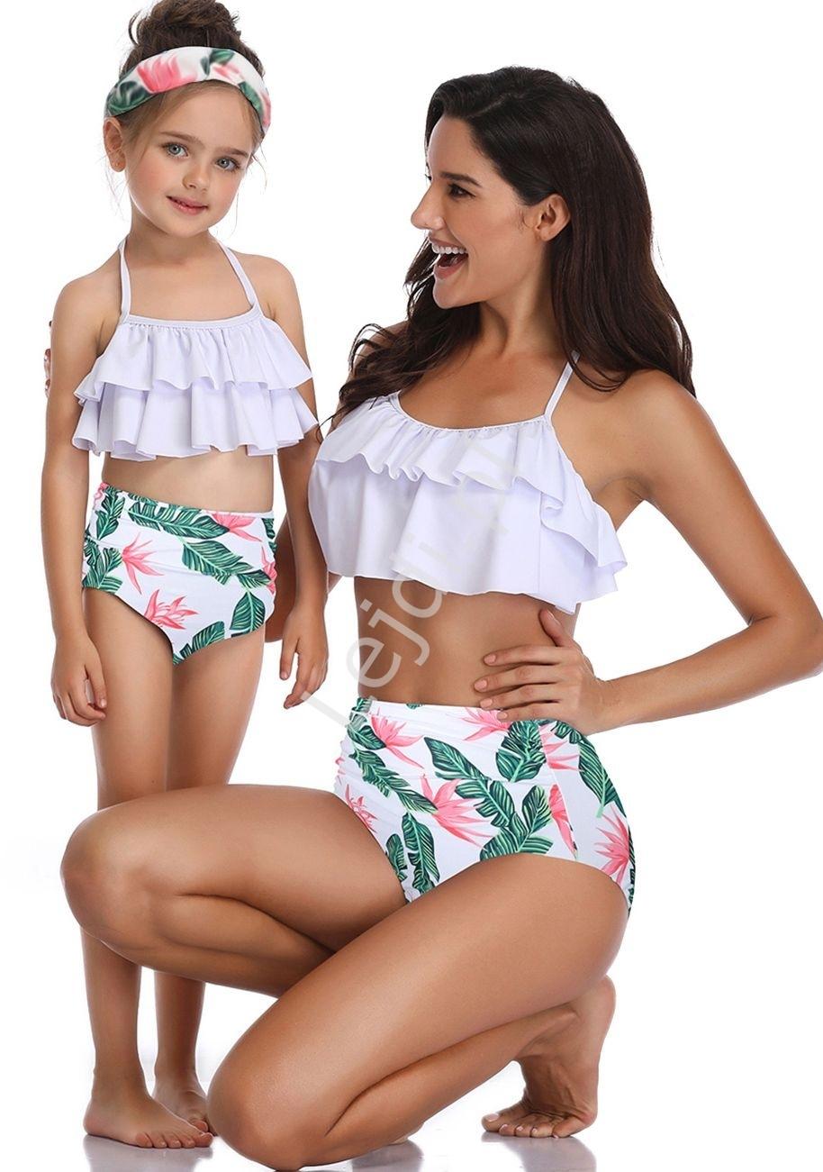 Image of Bikini dwuczęściowe mama i córka z liściami i jasnoróżowymi kwiatkami