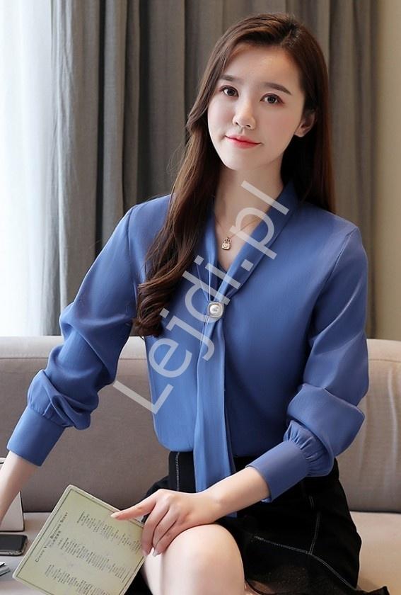 Przepiękna bluzka koszulowa w niebieskim kolorze 7968