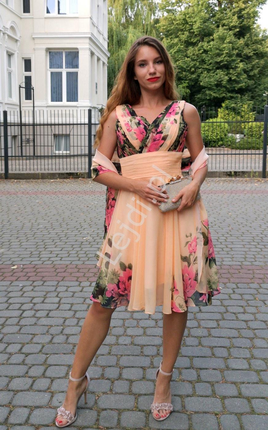 Krótka sukienka w kwiaty na wesele, studniowkę, bal