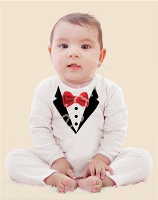 Biały elegancki rampers dla chłopca imitujący garnitur z muszką 0600