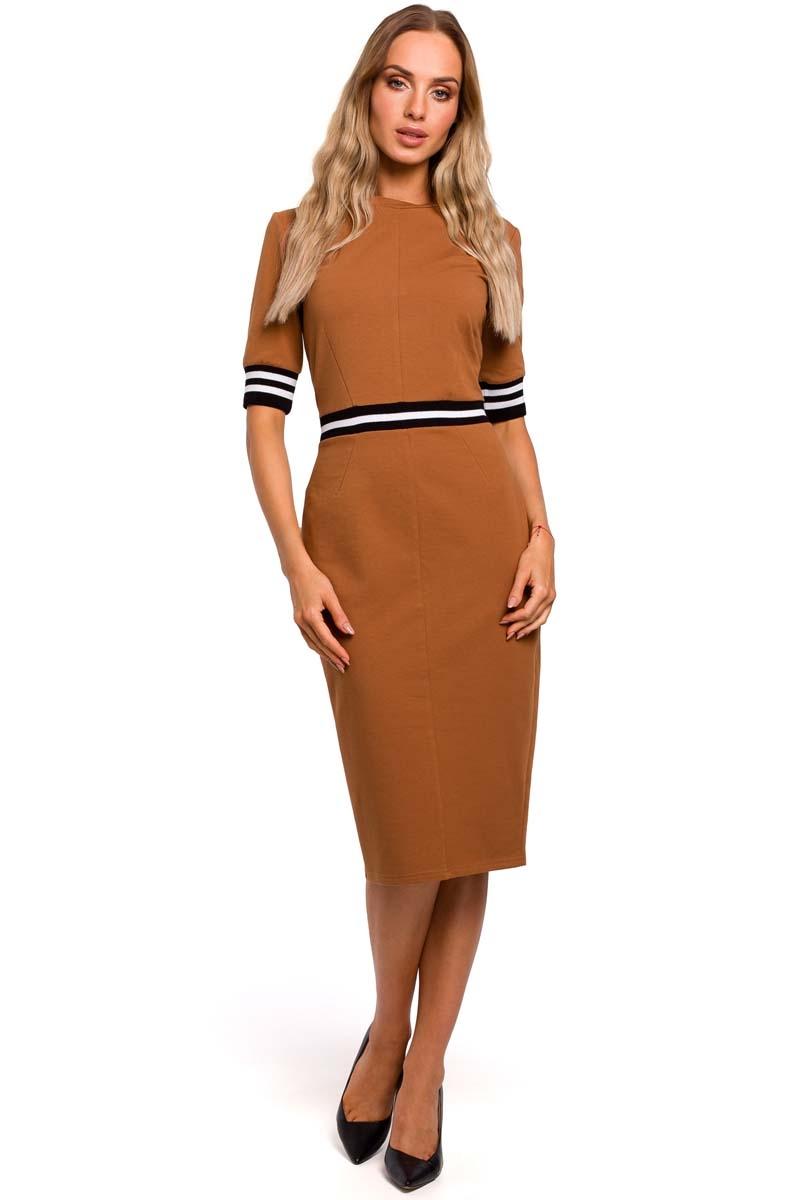 Karmelowa dzianinowa dopasowana sukienka z dwukolorowymi ściągaczami