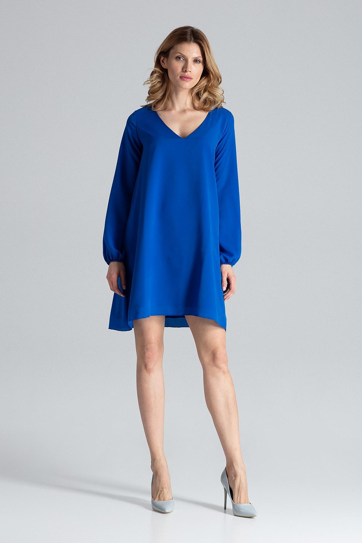 Niebieska sukienka trapezowa z długim rękawem