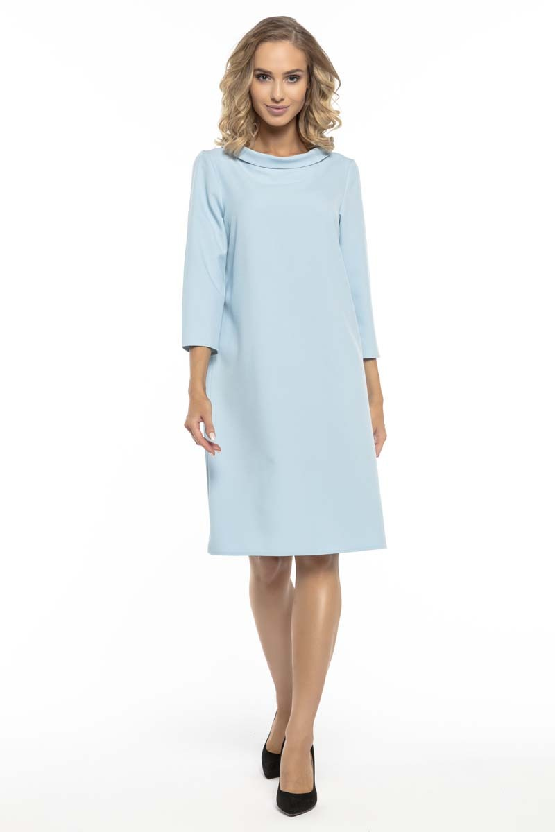 Trapezowa błękitna sukienka z kołnierzykiem jackie kennedy