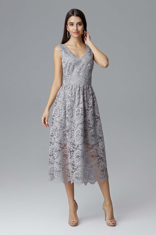 Szara rozkloszowana sukienka koronkowa na szerokich ramiączkach