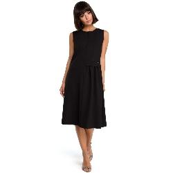 Czarna luźna letnia sukienka midi z marszczeniami na boku